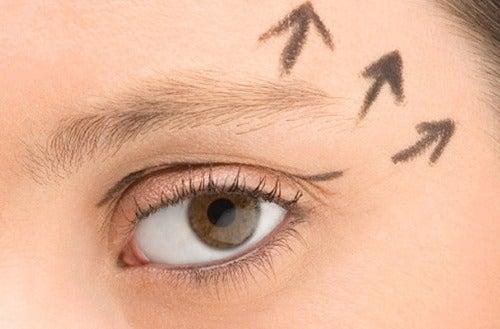 Πώς να αναζωογονήσετε τα μάτια σας με φυσικό τρόπο