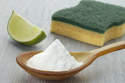 Πώς να καθαρίσετε το σπίτι σας με μαγειρική σόδα