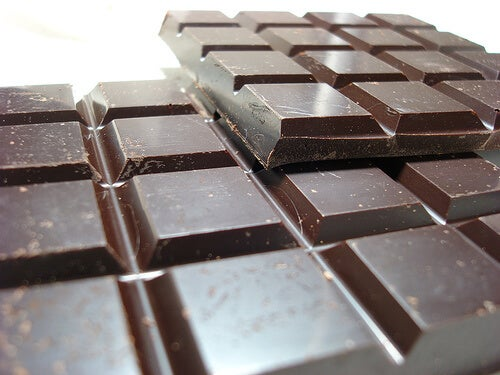 Οχτώ συνήθειες που προκαλούν κατάθλιψη σοκολατα