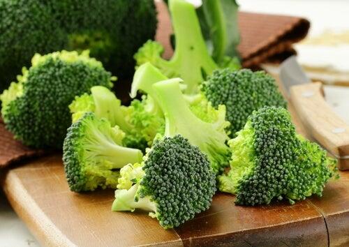 μπρόκολο 10 τροφές που καταπολεμούν το άσθμα