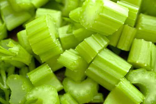 5 αναζωογονητικές συνταγές με σέλινο