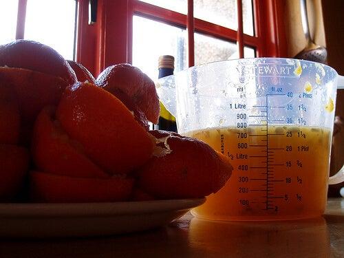 Υγιεινοί φρουτοχυμοί - πορτοκάλι, μαϊντανός