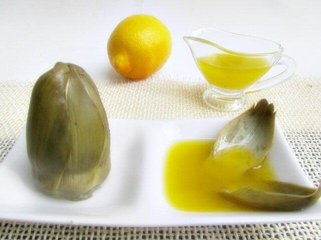 Συμπτώματα προβλημάτων στο συκώτι - Αγκινάρα, λάδι και λεμόνι στο πιάτο