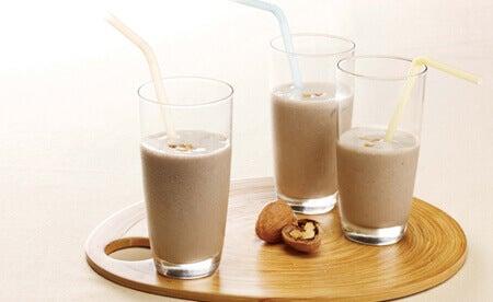 Γάλα καρυδιού - φυτικά προϊόντα γάλακτος