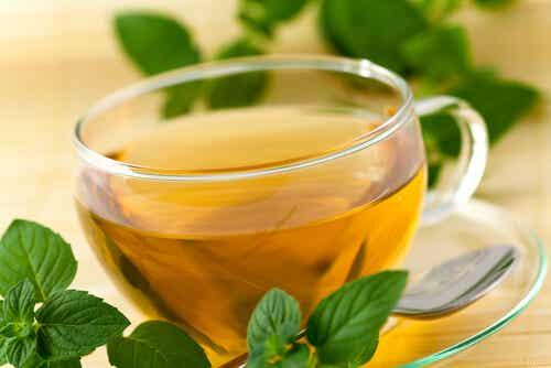 Πώς να σταματήσετε το ροχαλητό με φυσικές θεραπείες