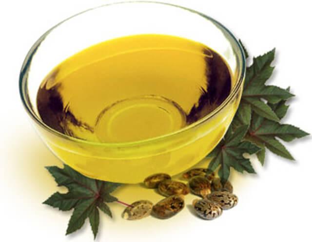 Σπιτικές θεραπείες για τις σκασμένες φτέρνες- καστορελαιο
