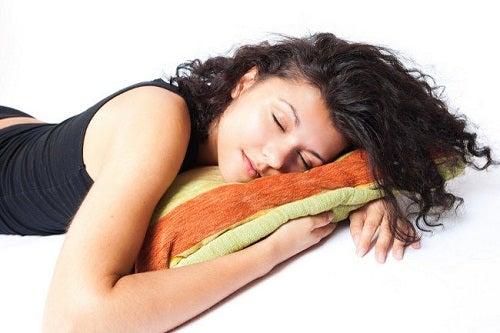 Πόσες ώρες πρέπει να κοιμόμαστε;