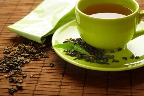 πρήξιμο των δακτύλων- πράσινο τσάι