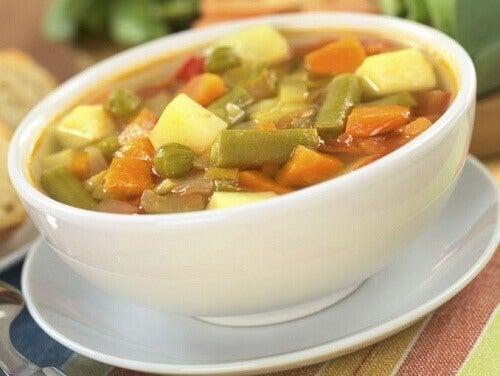 Νόστιμες συνταγές για σούπες με λαχανικά