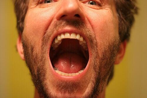 Πώς να αντιμετωπίσετε συνήθη στοματικά προβλήματα - τερηδόνα