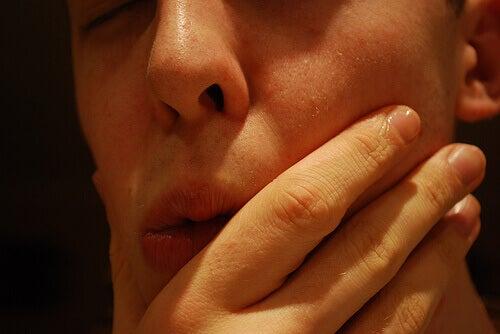 Πώς να αντιμετωπίσετε συνήθη στοματικά προβλήματα - ξηροστομία
