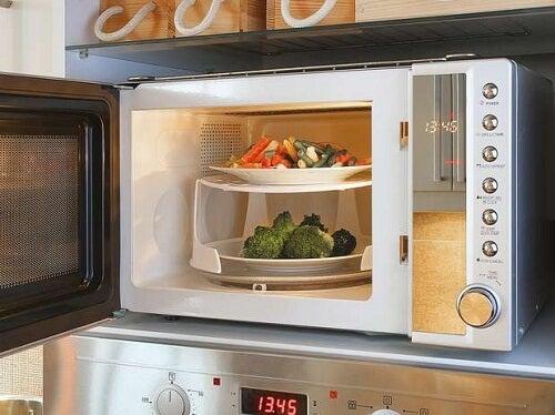 Οι αρνητικές επιπτώσεις της χρήσης φούρνου μικροκυμάτων