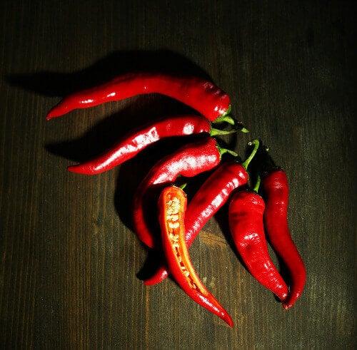 μείωση του λίπους στην κοιλιά- πιπεριές τσίλι