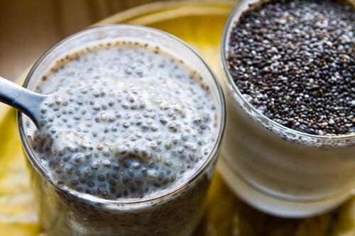 Αδυνατίστε υγιεινά τρώγοντας σπόρους Chia