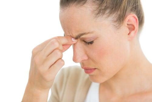 Εγκεφαλικό ανεύρυσμα - Γυναίκα με πονοκέφαλο