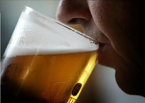 Η μπύρα κάνει καλό στην υγεία και την ομορφιά