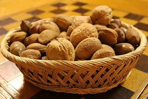 καρύδια - αντικαρκινικες τροφές