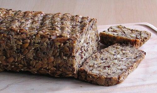 Καρκινογόνες τροφές - Ψωμί με καρπούς