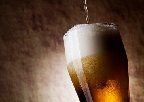 Η μπύρα κάνει καλό - Μπύρα με αφρό