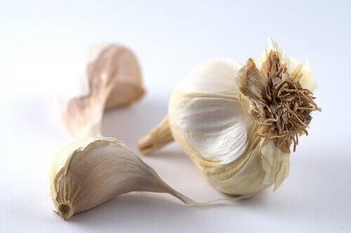 Πρησμένη κοιλιά - Σκελίδες σκόρδου