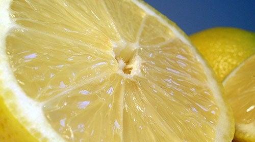 τρόποι μείωσης της αρτηριακής πίεσης με λεμόνι