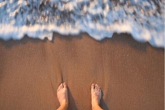 θάλασσα όμορφα πόδια