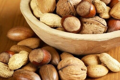 Υγιεινές τροφές που ίσως καταναλώνετε υπερβολικά - Ξηροί καρποί