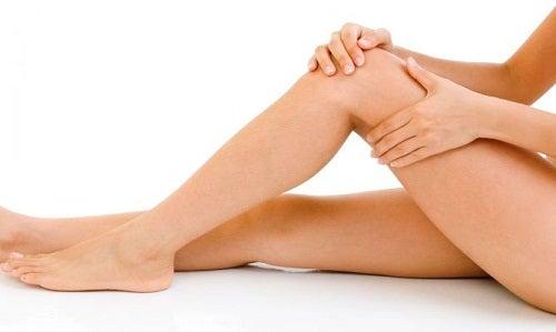 Κερί αποτρίχωσης - Λεία γυναικεία πόδια