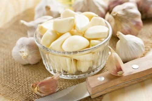 Tα οφέλη του σκόρδου για την υγεία μας