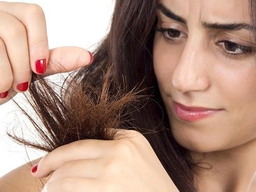 9 μάσκες για ξηρά μαλλιά. Μάθετε πώς να τις φτιάχνετε. - Με Υγεία a291f1dbbe9