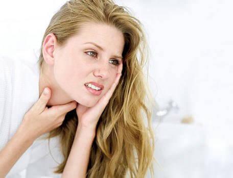 μόλυνση στο λαιμό