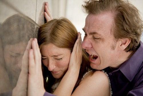 Τι δεν πρέπει να επιτρέπετε στη σχέση σας