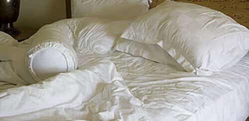 Στρώσιμο του κρεβατιού το πρωί; Μάλλον όχι...