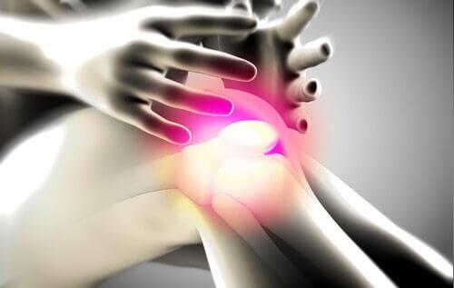 Ανακουφίστε τον πόνο στις αρθρώσεις. Μάθετε πώς