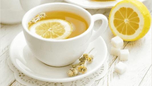 Φλούδες λεμονιού - τσαι με λεμόνι