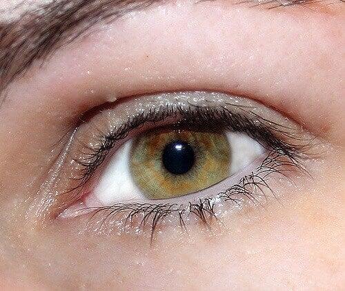 Μυστικά για μάτια που ακτινοβολούν