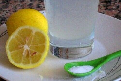 3 γευστικοί τρόποι να απολαύσετε τα λεμόνια το πρωί