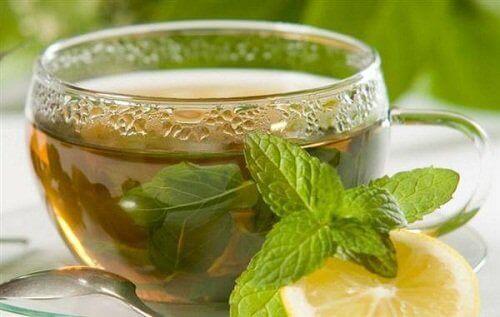 Ένα φλιτζάνι πράσινο τσάι
