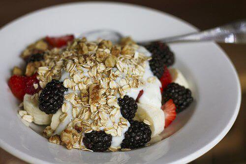 επιταχύνετε το μεταβολισμό με πρωινο