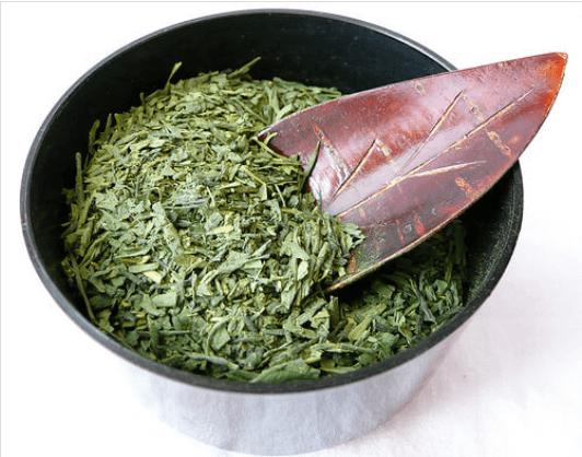 τζίντζερ και κανέλα και πρασινο τσαι