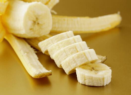 Διατηρήστε δραστήριο εγκέφαλο - Μπανάνα κομμένη σε φέτες