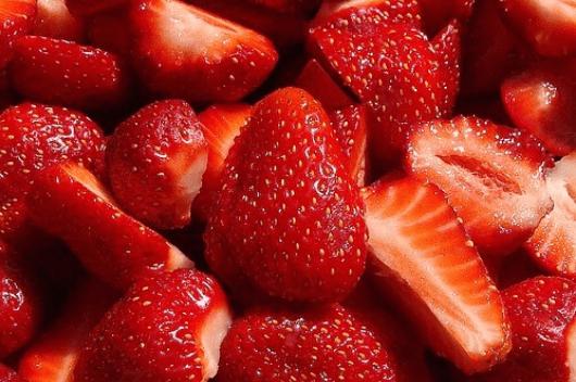 Λιγούρα για γλυκό - Φράουλες