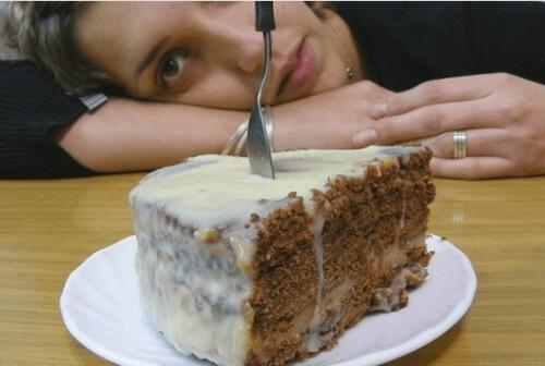 Υγιεινές συνταγές για να εξαφανίσετε τη λιγούρα για γλυκό