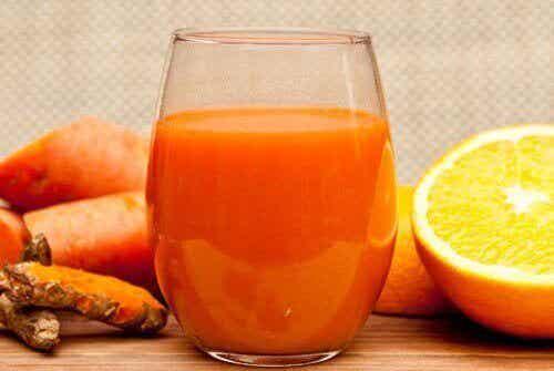 Αποτοξινωτικός χυμός για ανακούφιση από την αρθρίτιδα