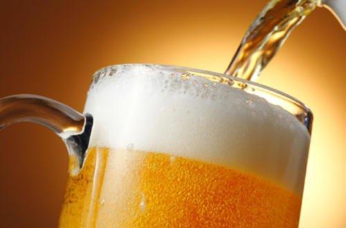 Ο καλύτερος τρόπος να πίνετε μπύρα. Εσείς πίνετε;