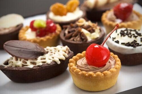 γλυκά - προκαλούν κυτταρίτιδα