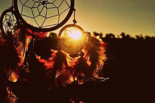 Προέλευση των ονειροπαγίδων - Ονειροπαγίδα και ηλιοβασίλεμα