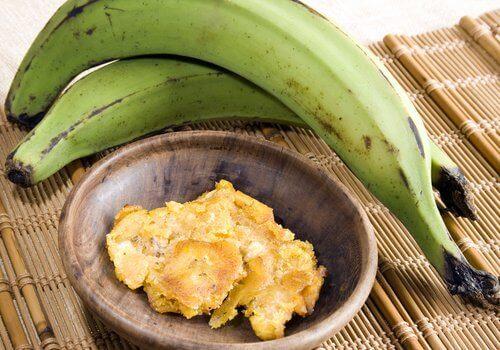 Πράσινη μπανάνα - Πράσινες μπανάνες και αποξηραμένες μπανάνες