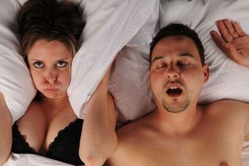 Ενοχλητικό ροχαλητό: επικίνδυνο για την υγεία