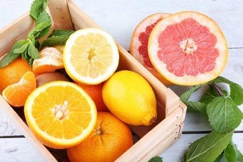 Βιταμίνες και μέταλλα που καταπολεμούν την κατάθλιψη - Πορτοκάλια και γκρέιπφρουτ